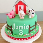 Farm themed cake with barn and animals