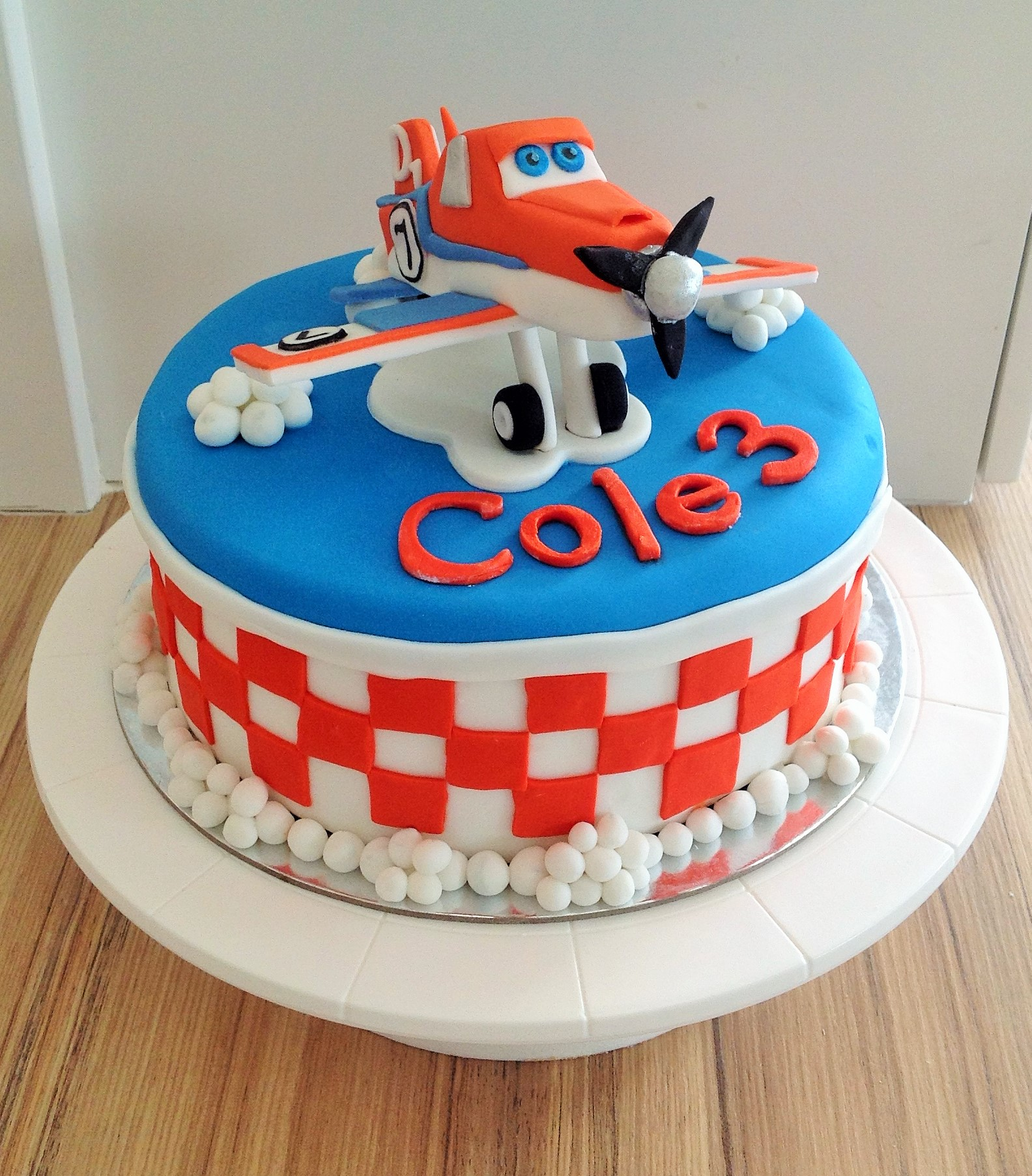 Images Of Plane Cake : Birthday Cakes