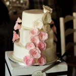 Vintage fondant rose wedding cake